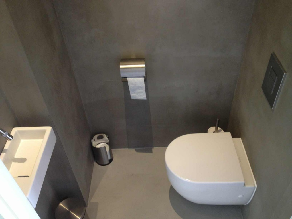 Toilet in Rijswijk voorzien van Beton Ciré